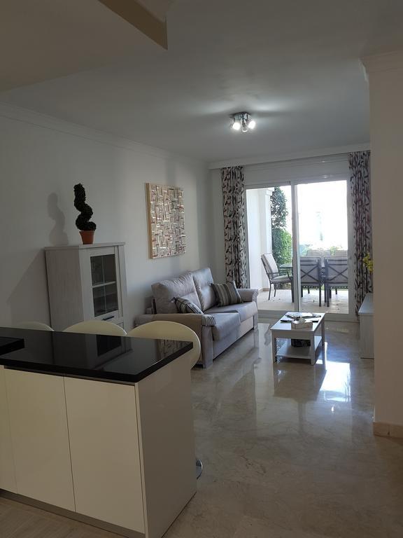 Apartamento de 2 dormitorios en venta en Nueva Andalucía – R3159664