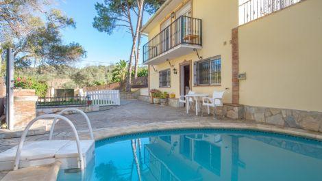 2 bedroom Villa for sale in Marbella – R3545152