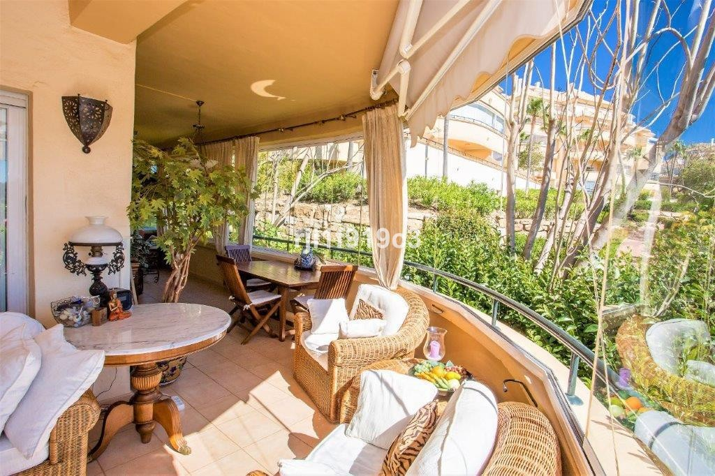 2 bedroom Apartment for sale in Elviria – R2906786