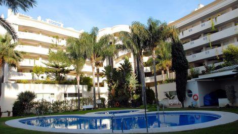 2 bedroom Apartment for sale in Puerto Banús – R2426492