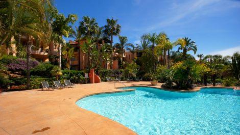 3 bedroom Apartment for sale in Sierra Blanca – R2830595