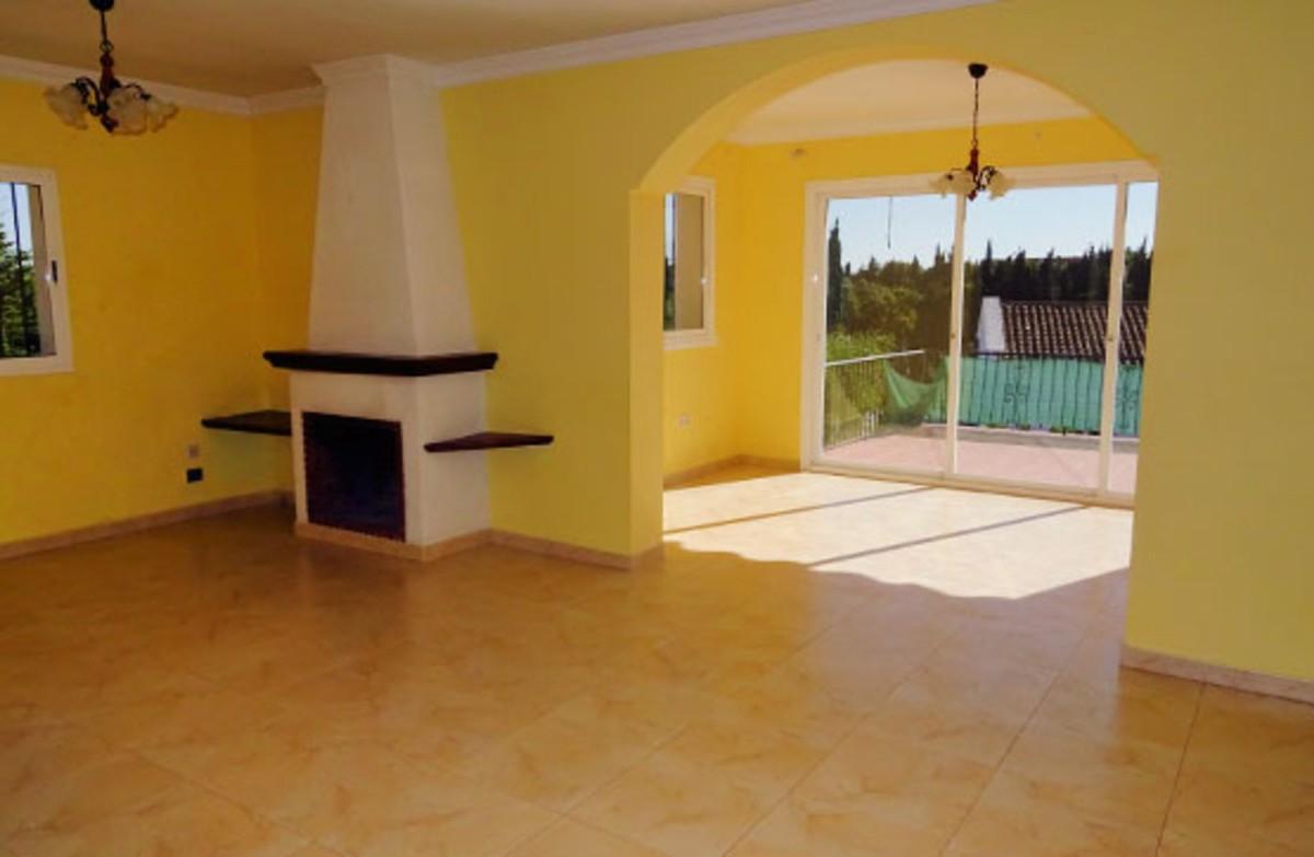 3 bedroom Villa for sale in Elviria – R3515653