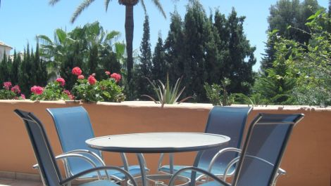 2 bedroom Apartment for sale in Estepona – R3417961