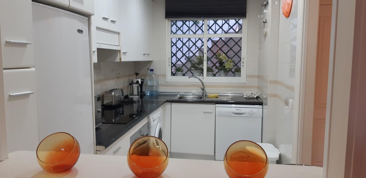 Apartamento de 2 dormitorios en venta en Nueva Andalucía – R3329440