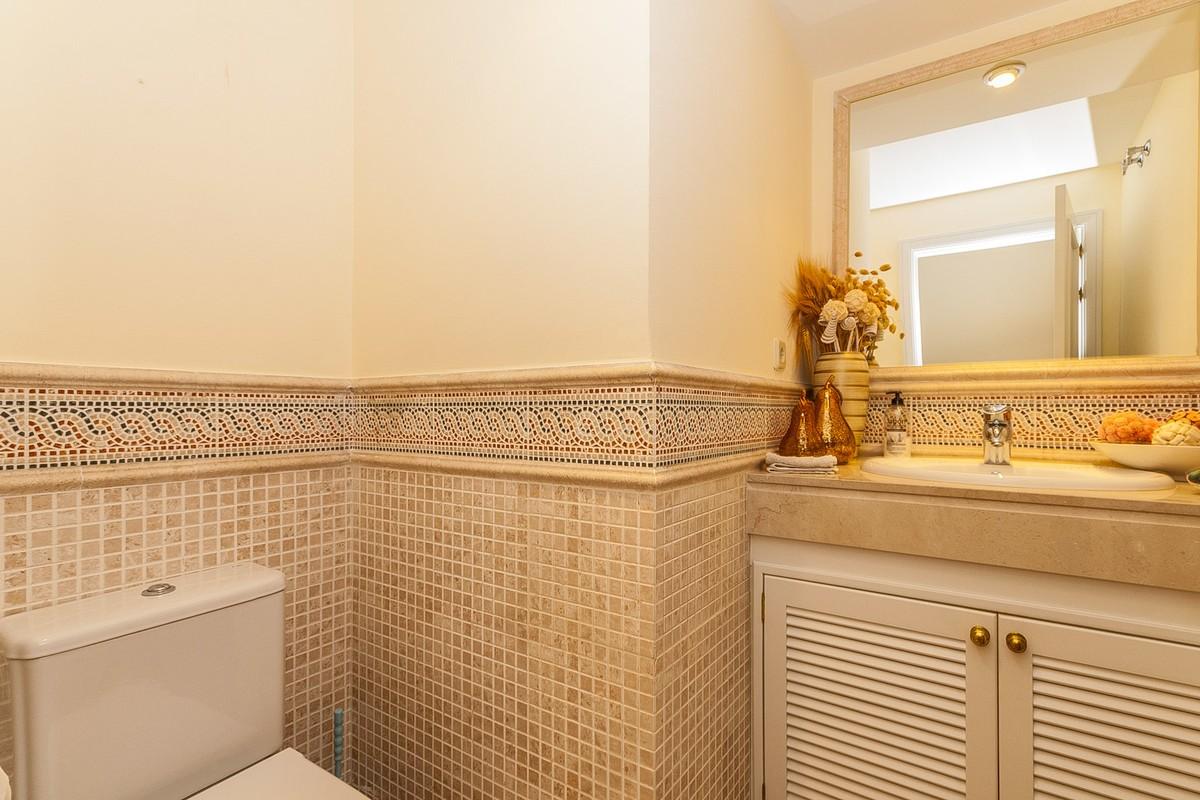 2 bedroom Apartment for sale in Elviria – R3367750