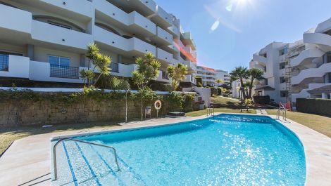 3 bedroom Apartment for sale in Elviria – R3461971