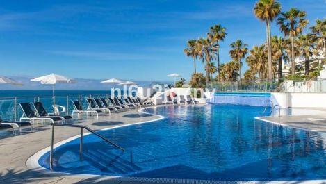 Atico de 3 dormitorios en venta en Estepona – R3123730