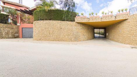 Villa de 5 dormitorios en venta en Hacienda Las Chapas – R3463993 en