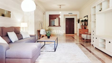 Apartamento de 2 dormitorios en venta en Nueva Andalucía – R3340240 en