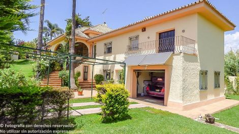 5 bedroom Villa for sale in New Golden Mile – R2710352 in