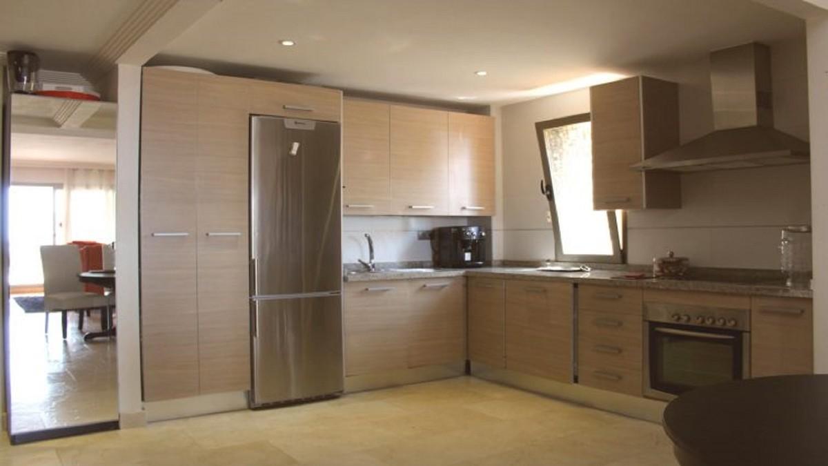 Atico de 3 dormitorios en venta en Selwo – R3478333