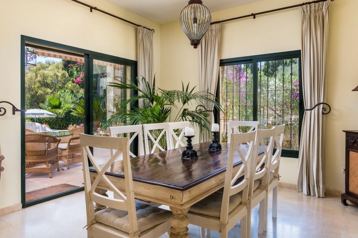 Villa de 4 dormitorios en venta en Sotogrande – R3482311