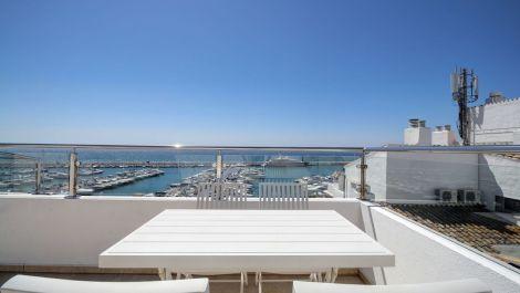 3 bedroom Penthouse for sale in Puerto Banús – R3240940 in