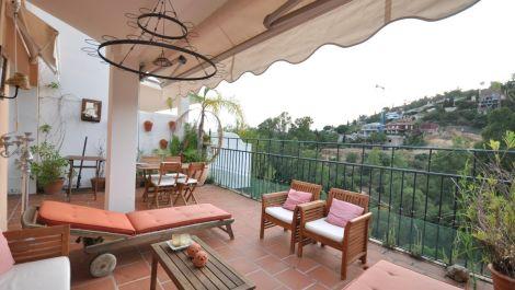 Adosado de 3 dormitorios en venta en Benahavís – R3221872 en