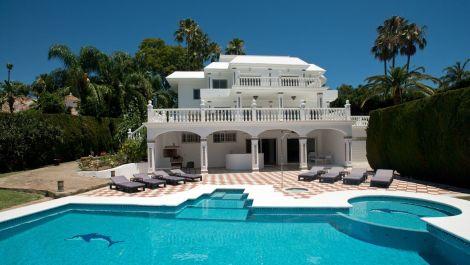 5 bedroom Villa for sale in Nueva Andalucía – R3080887 in