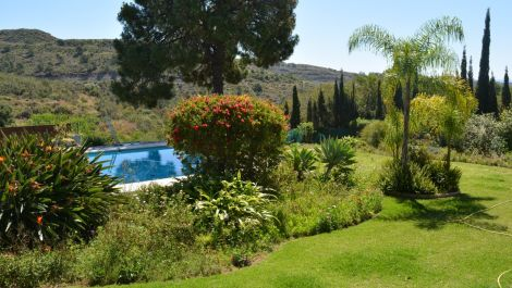 7 bedroom Villa for sale in Estepona – R3417151