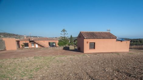 2 bedroom Finca for sale in Estepona – R3520660