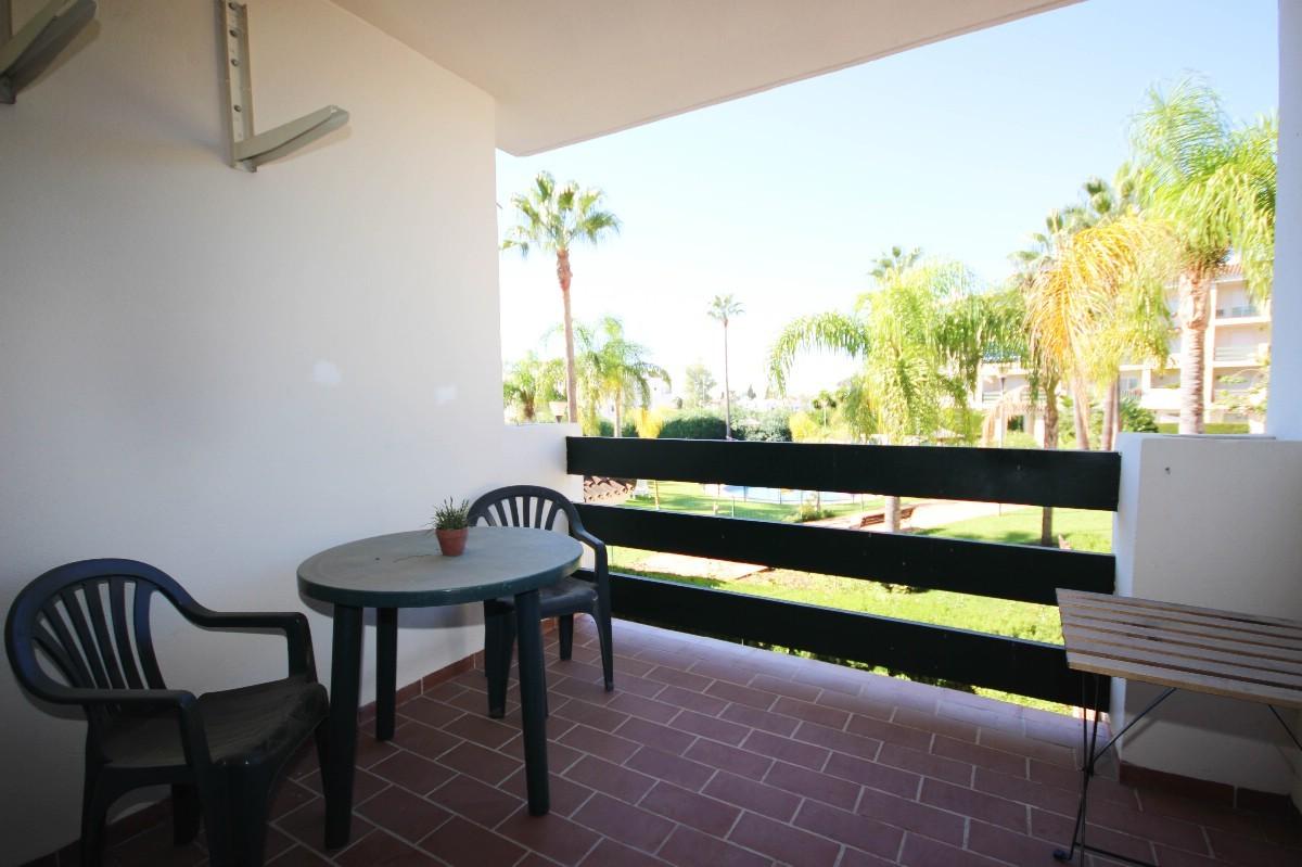 Apartamento de 2 dormitorios en venta en Nueva Andalucía – R3278353