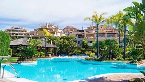 Apartamento de 2 dormitorios en venta en Benahavís – R2848994