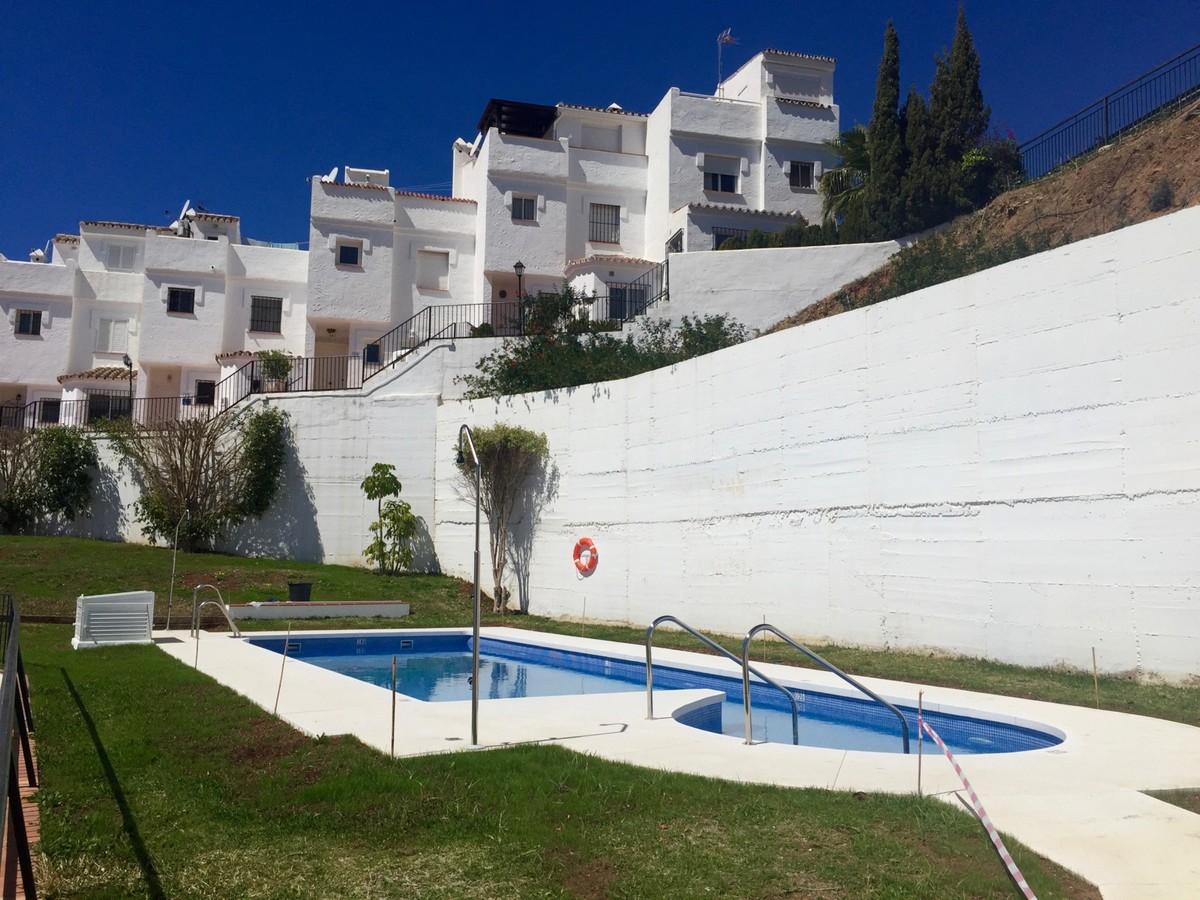 2 bedroom Townhouse for sale in Altos de los Monteros – R2647826