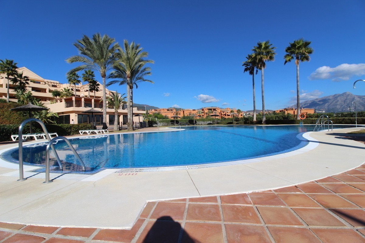 Apartamento de 2 dormitorios en venta en Benahavís – R3327568