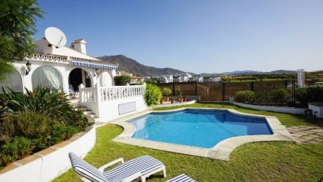 3 bedroom Villa for sale in Estepona – R3484225 in