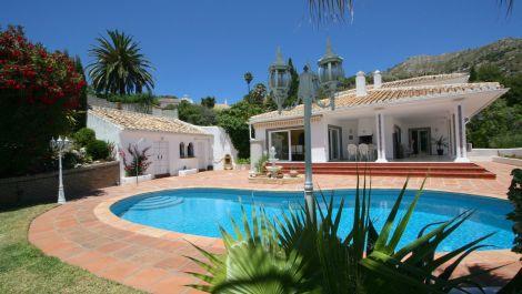 5 bedroom Villa for sale in Mijas – R86272 in
