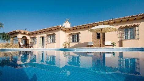 4 bedroom Villa for sale in Mijas Costa – R2329232