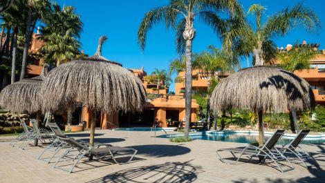 Apartamento de 3 dormitorios en venta en Puerto Banús – R3330127