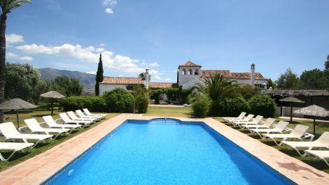 Villa de 10 dormitorios en venta en – R89338