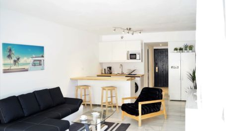 2 bedroom Apartment for sale in Puerto Banús – R3499906