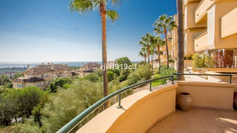 3 bedroom Apartment for sale in Elviria Hills – R2347544
