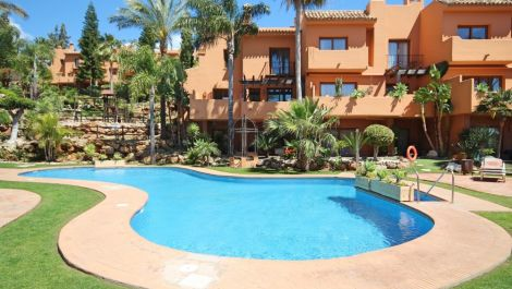 5 bedroom Townhouse for sale in Riviera del Sol – R3111388