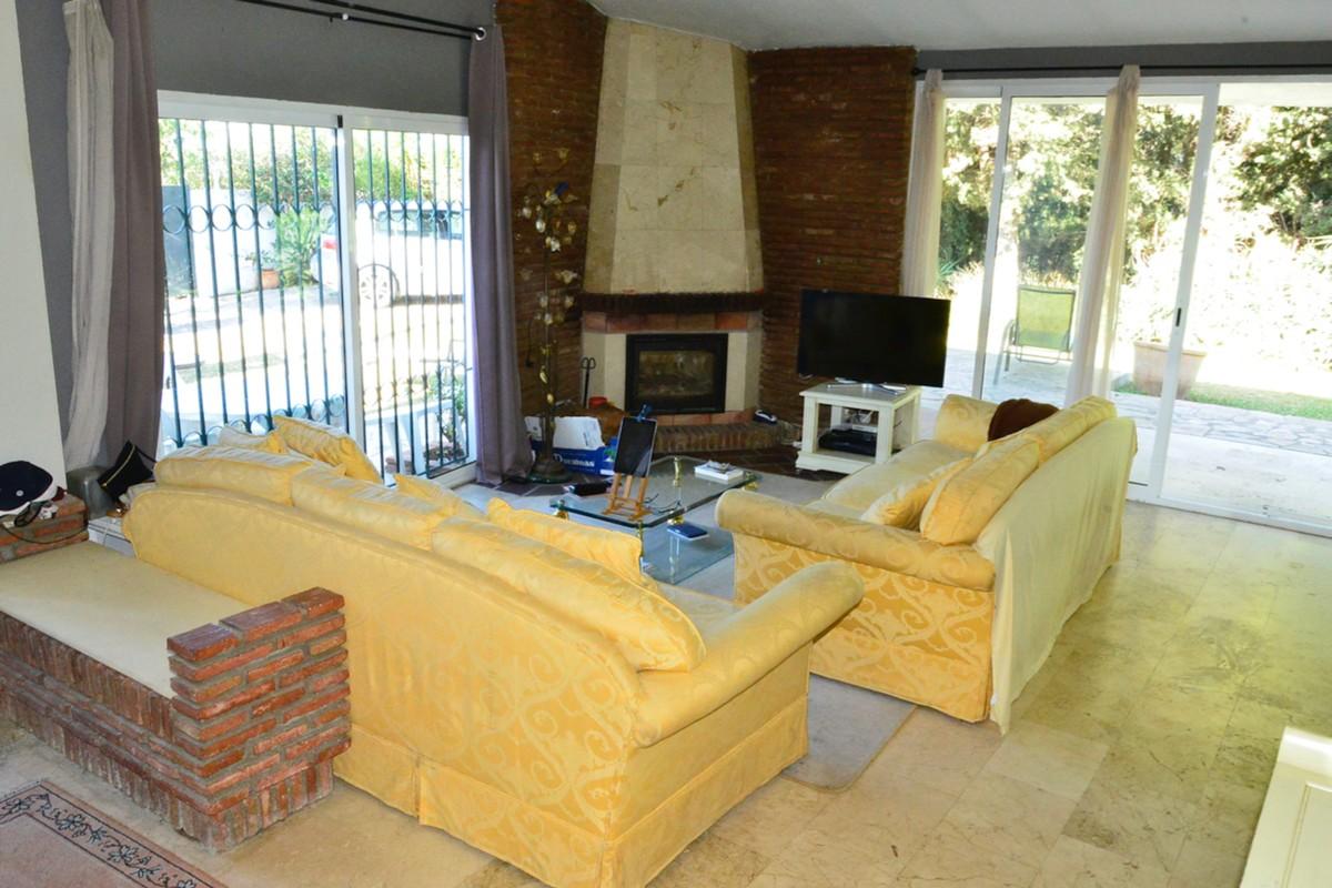 3 bedroom Villa for sale in Elviria – R3612890