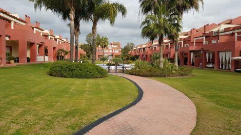 Apartamento de 4 dormitorios en venta en Sotogrande – R3557728 in
