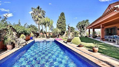 Villa de 6 dormitorios en venta en Puerto Banús – R3616037 en