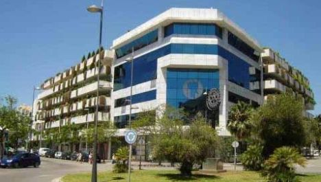 Commercial for sale in Puerto Banús – R2590472