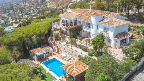 Villa de 5 dormitorios en venta en – R3473833