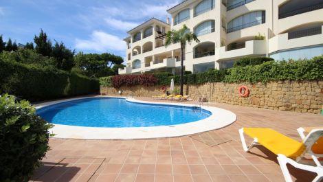 2 bedroom Apartment for sale in Elviria – R3513847 in