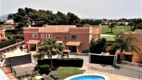 Villa Pareada de 3 dormitorios en venta en Guadalmina Alta – R3294382 en