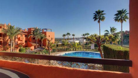 Apartamento de 2 dormitorios en venta en Benahavís – R3595771