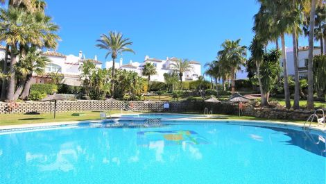 3 bedroom Townhouse for sale in Estepona – R3613403 in