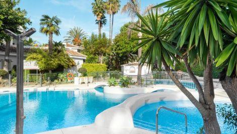 3 bedroom Apartment for sale in Elviria – R3608411