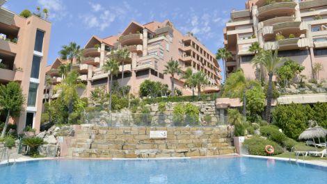 Apartamento de 2 dormitorios en venta en Nueva Andalucía – R3505396