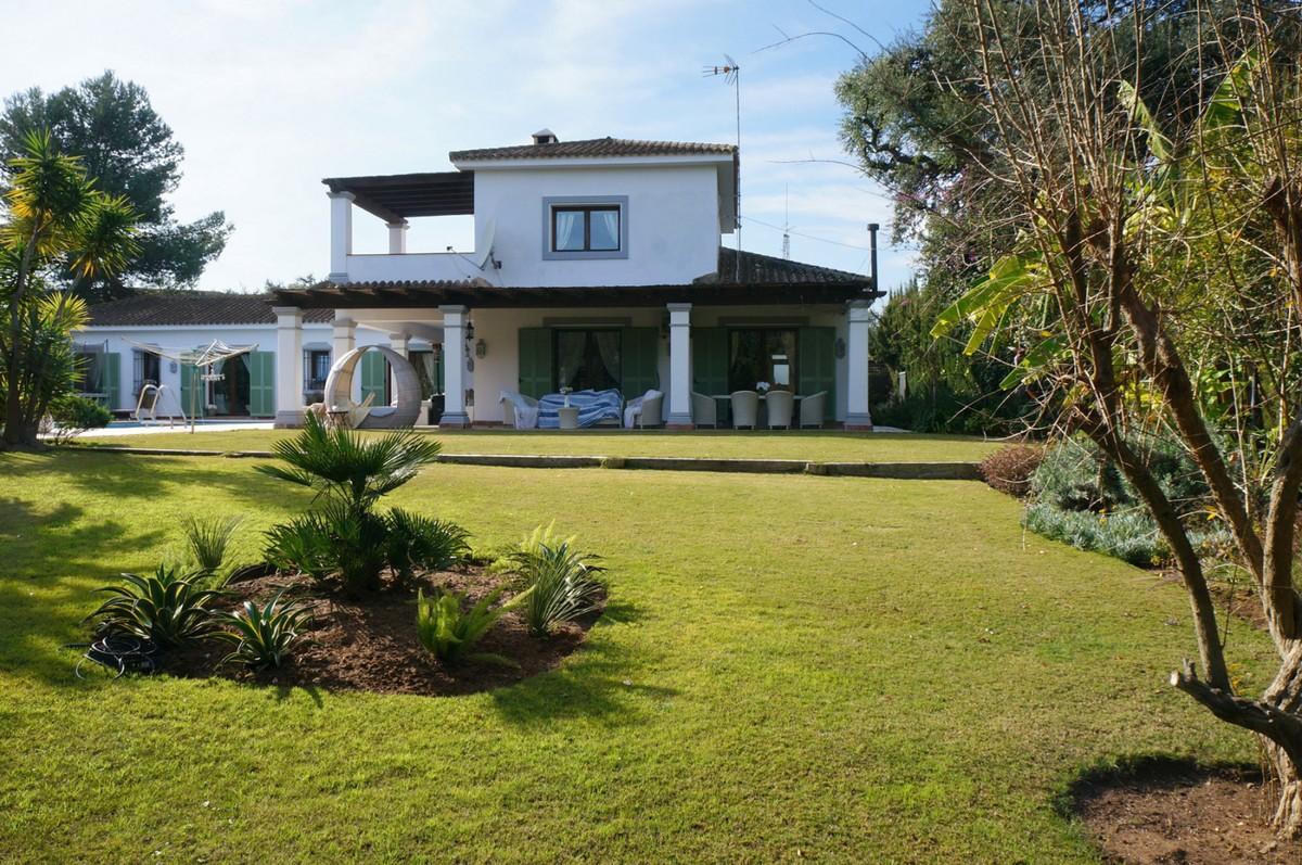 Villa de 5 dormitorios en venta en Sotogrande Costa – R3341287