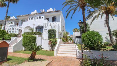 3 bedroom Townhouse for sale in Estepona – R3442519