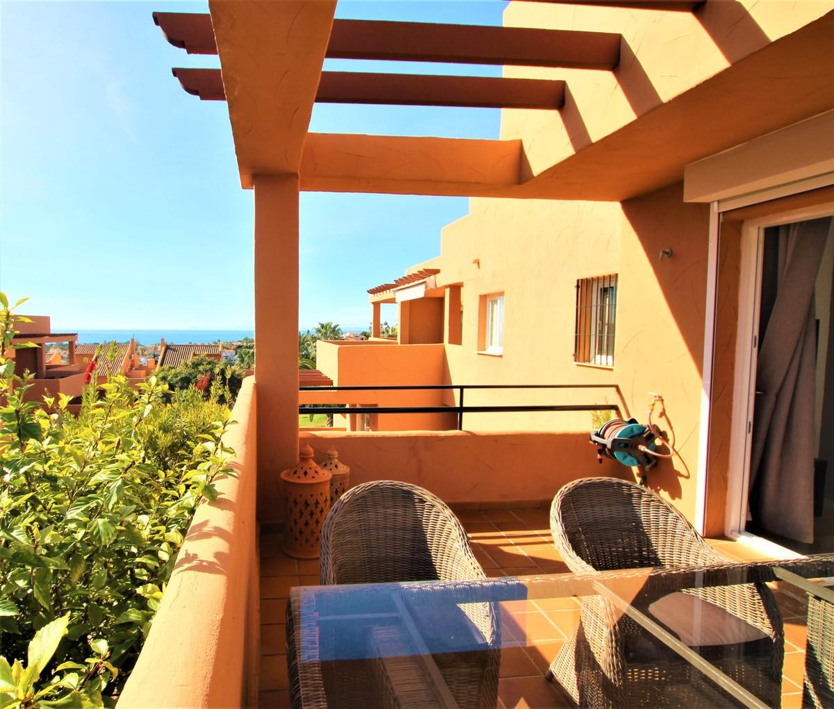 3 bedroom Apartment for sale in Elviria – R3596323
