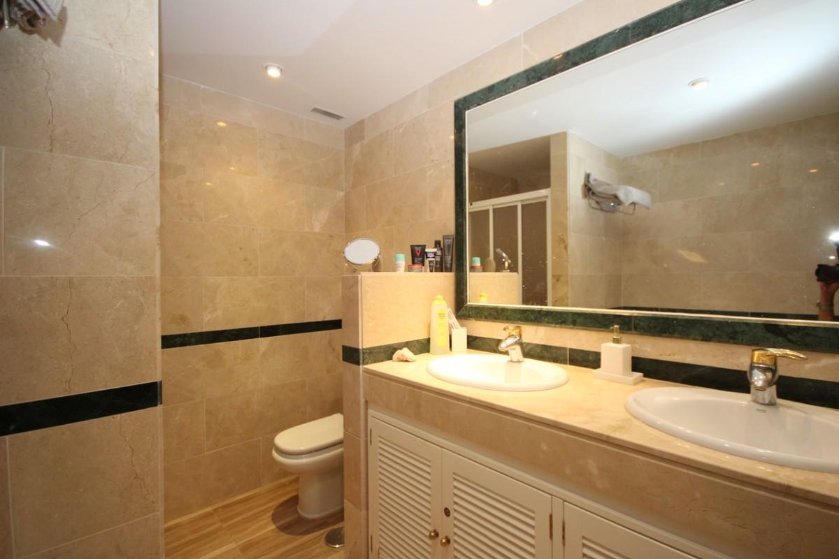 3 bedroom Apartment for sale in Elviria – R3528322