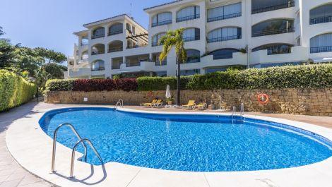 2 bedroom Apartment for sale in Elviria – R3412873 in
