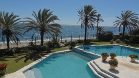 14 bedroom Villa for sale in The Golden Mile – R2133836